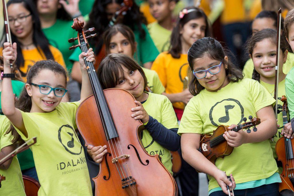 Estudiantes de DaLaNota